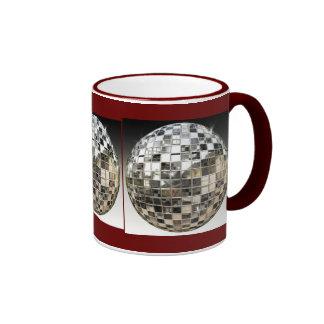 La taza de la bola de espejo