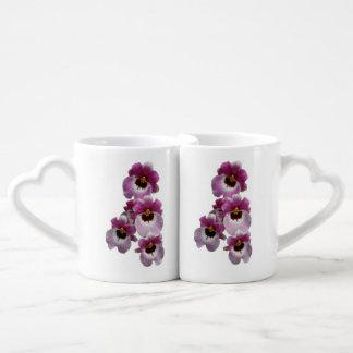 La taza de los amantes de la orquídea de tazas para parejas