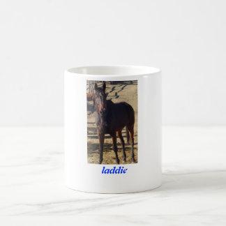 La taza de oro Laddie de la zanahoria