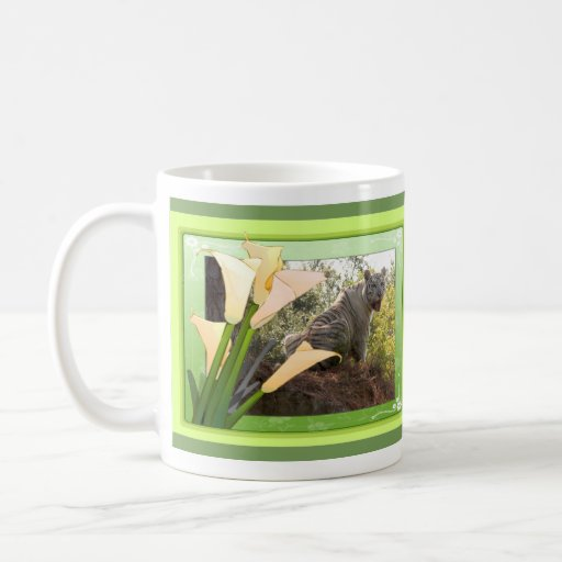 La taza de St Patrick blanco del tigre