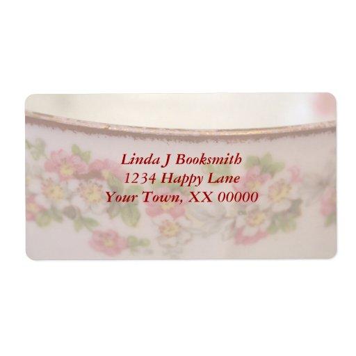 La taza de té floral rosada personaliza etiqueta de envío