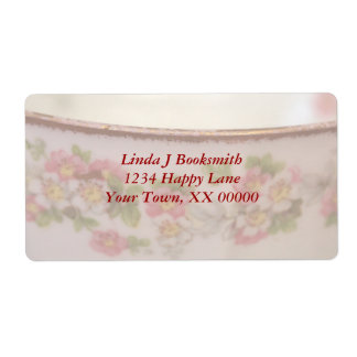 La taza de té floral rosada personaliza etiquetas de envío
