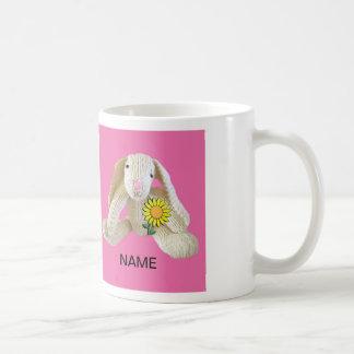 La taza del conejo de conejito personaliza el