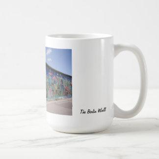 La taza del muro de Berlín