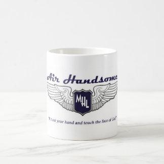 La taza del piloto hermoso del aire
