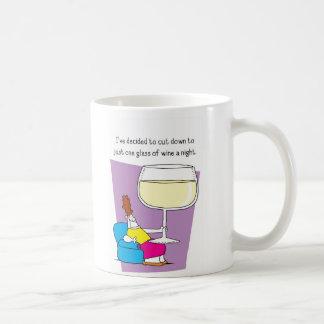 ¡La taza impar del vino del pelotón!