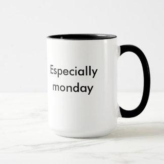 """La taza """"mañanas del XL chupa especialmente lunes"""