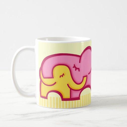 La taza más grande de los elefantes de la momia de