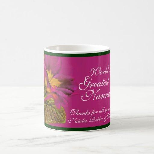 La taza más grande de Nanna del mundo floral de la