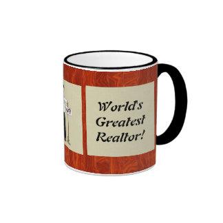 La taza más grande del agente inmobiliario del mun