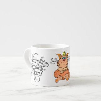 La taza más grande del café express del gato de la