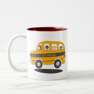 La taza más grande del conductor del autobús del a