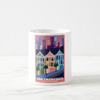 La taza pintada del Victorian de las señoras