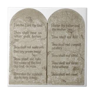 La teja de cerámica de la foto de diez mandamiento