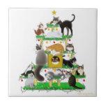 La teja del árbol del gato del navidad