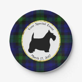 La tela escocesa blanco y negro del escocés plato de papel de 7 pulgadas