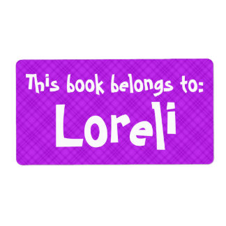 """La tela escocesa rosada """"este libro pertenece"""" a etiqueta de envío"""