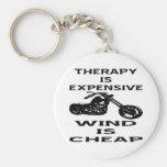 La terapia es motorista costoso que el viento es b llavero redondo tipo pin