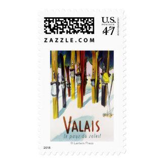 La tierra de la sol - esquís que se colocan en sello postal