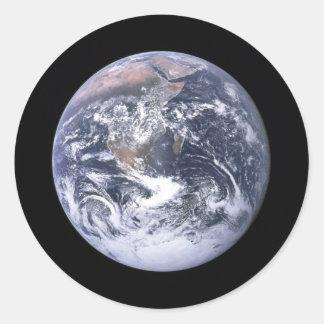 """"" La tierra de mármol azul parece de Apolo 17 Pegatina Redonda"