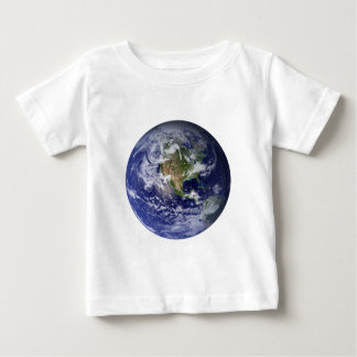 La tierra del espacio playera de bebé