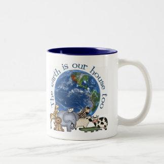 La tierra es nuestra taza/taza de la ecología del  taza dos tonos