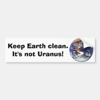 La tierra mantiene la tierra limpia etiqueta de parachoque