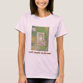 La tierra ríe en camiseta de las flores