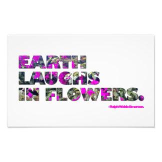 La tierra ríe en flores. Cita de Ralph Waldo Arte Fotografico