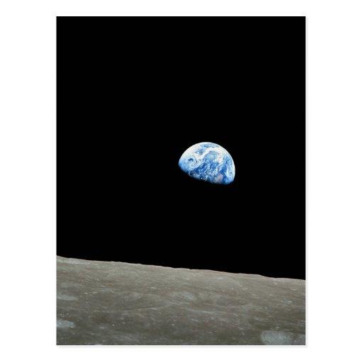 La tierra sube de la luna tarjeta postal
