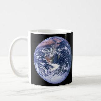 La tierra vista de Apolo 17 aka el mármol azul Taza