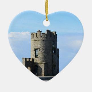La torre de O'Brien en los acantilados de Moher Adorno Navideño De Cerámica En Forma De Corazón