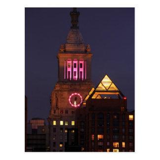 La torre de reloj de Edison de la estafa se Postal