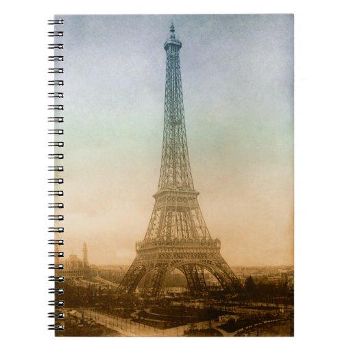 La torre Eiffel en el cuaderno de París