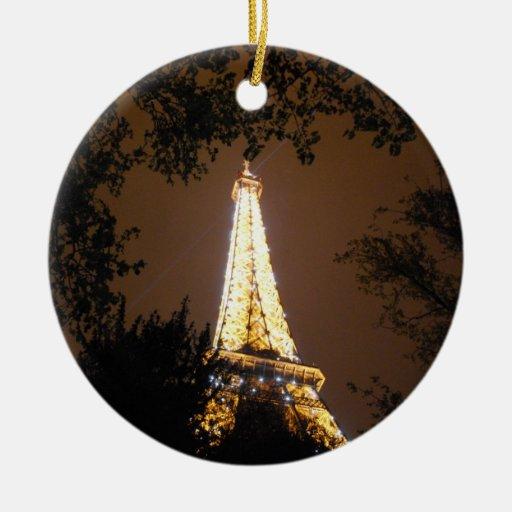 La torre Eiffel en la noche Ornamento Para Arbol De Navidad