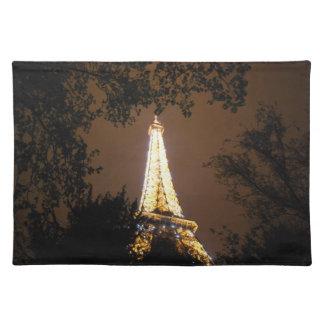 La torre Eiffel en la noche Mantel