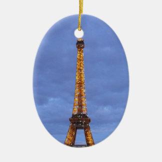 La torre Eiffel París Francia Adorno Navideño Ovalado De Cerámica