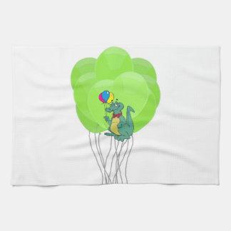 La torta de los globos de la fiesta de cumpleaños  toalla de mano