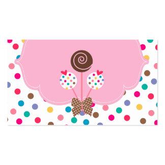 La torta hace estallar el chocolate rosado de los tarjetas de visita