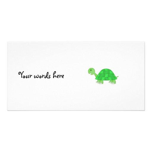 La tortuga del bebé en verde se descolora tarjetas fotograficas