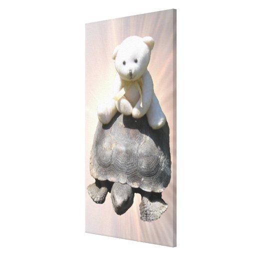 La tortuga del montar a caballo del oso estiró la  impresiones en lona estiradas