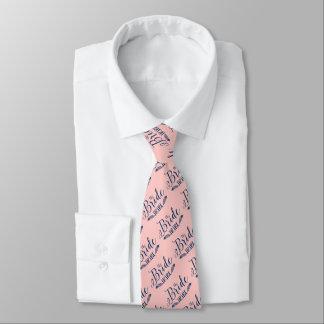 La tribu BlueText oscuro de la novia en rosa claro Corbatas Personalizadas