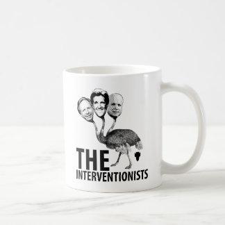 La troika del intervencionista taza