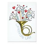 La trompa del oro, palomas, corazones, celebra invitación 12,7 x 17,8 cm