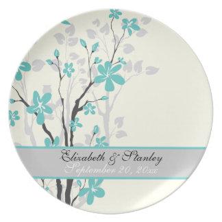 La turquesa de la magnolia florece la placa del plato de comida
