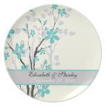 La turquesa de la magnolia florece la placa del re platos de comidas