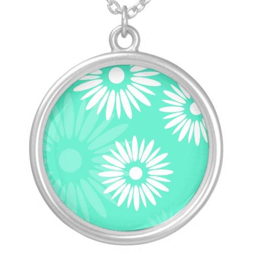 La turquesa del verano florece el collar