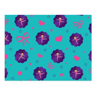 La turquesa protagoniza al gimnasta púrpura de la tarjeta postal