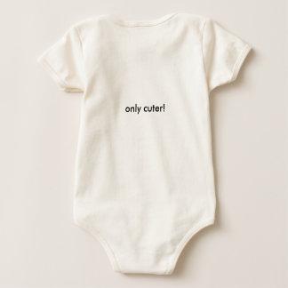 ¡La una pieza del bebé con el texto apenas tiene Mamelucos De Bebé