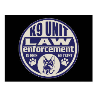 La unidad K9 en perros confiamos en el azul Postal